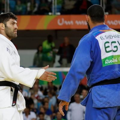 Sports: Egyptian Judo Fighter Refuses to Shake Hands With Israeli Opponent at Olympics
