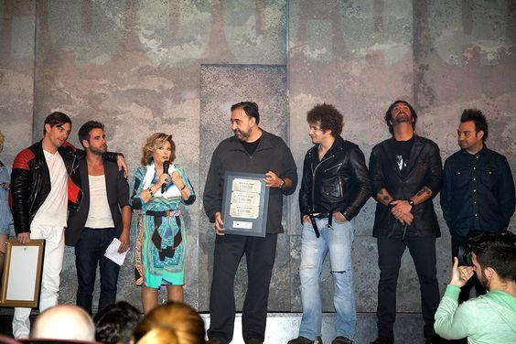 """Maria Teresa Campos y el director del programa """"Que Tiempo Tan Feliz"""" Yusan."""