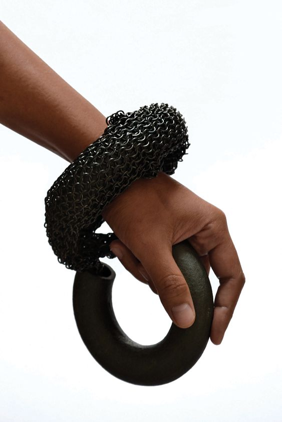 at MATERIO TALK - Yiumsiri Vantanapindu Bracelet: Black-Kam-Laï, 2017 Black porcelain and metal