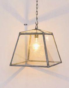 Lanterna a sospensione- lantern light- garden house lighting  http://www.griffegenova.com/Griffe_Home/Illuminazione_pint.html