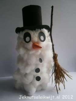 winterknutsel sneeuwpop van watten