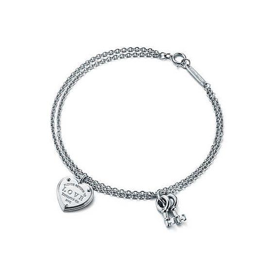 Return to Tiffany® Love heart tag key bracelet in sterling silver, medium.