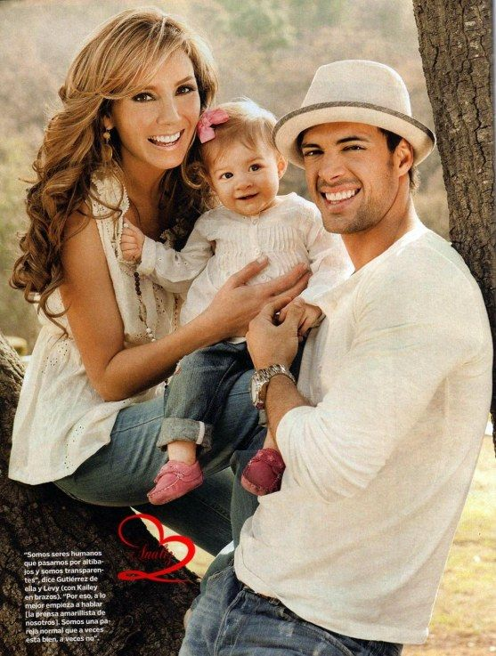 William Levy Elizabeth Gutierrez And Their Two Children Family Beautiful Cute S Pinterest People