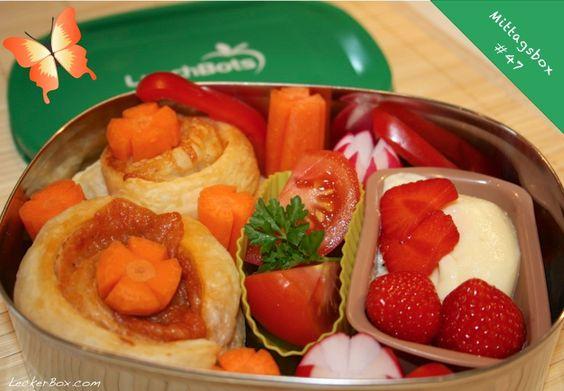 Mittagsbox mit Pestoschnecken