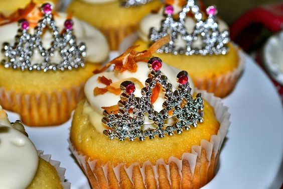 Cupcakes by COCO'S CUPCAKES!