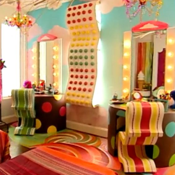 Candyland zots sheet at check in make with recycled lids for Candyland bedroom ideas