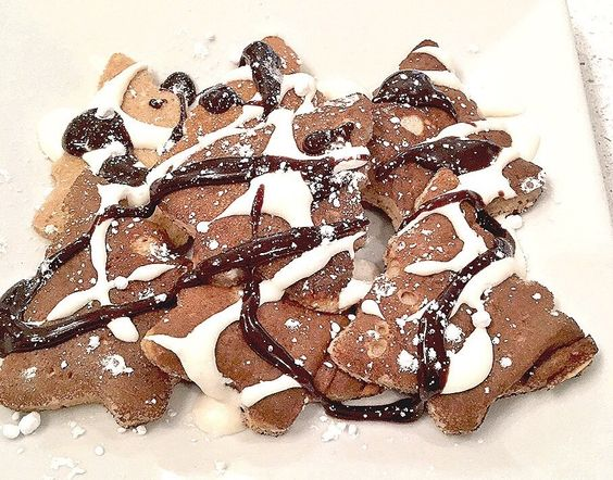 Christmas Tree S'more Pancakes. [908 x 713] [OC]