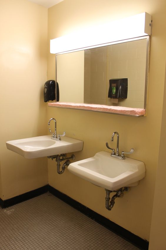 Una O'Neill : Soap Installation, 2013 #uarts #universityofthearts #philadelphia