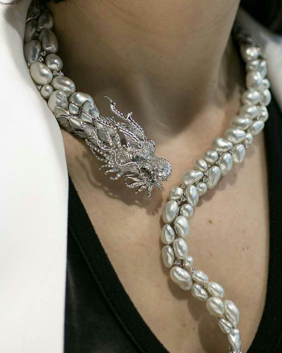 PEARL  DRAGON NECKLACE GORGEOUS BEAUTIFUL  PEARL  JEWELLERY @barirahmaddi