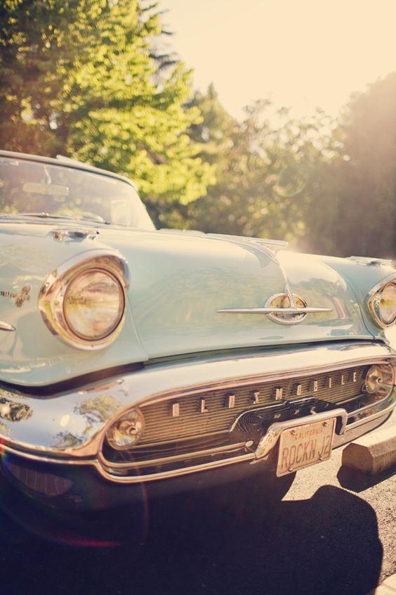 coche antigua para los novios