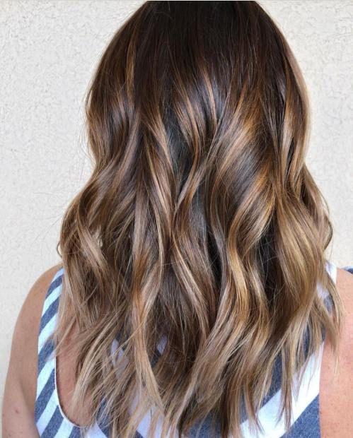 60 Looks With Caramel Highlights On Brown And Dark Brown Hair Brown Hair With Highlights Brown Hair Balayage Brown Balayage