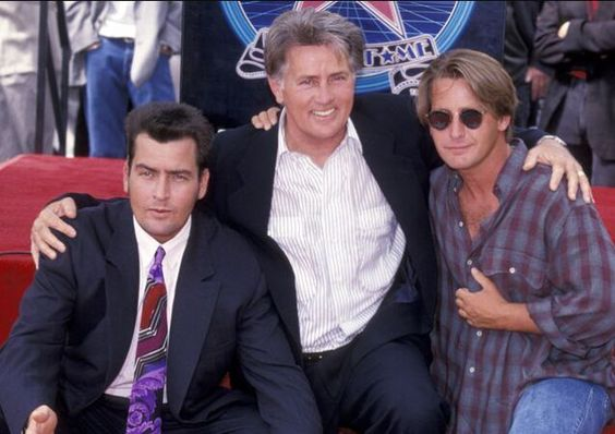 Charlie Sheen with dad Martin Sheen and brother Emilio Estevez #celebritydads