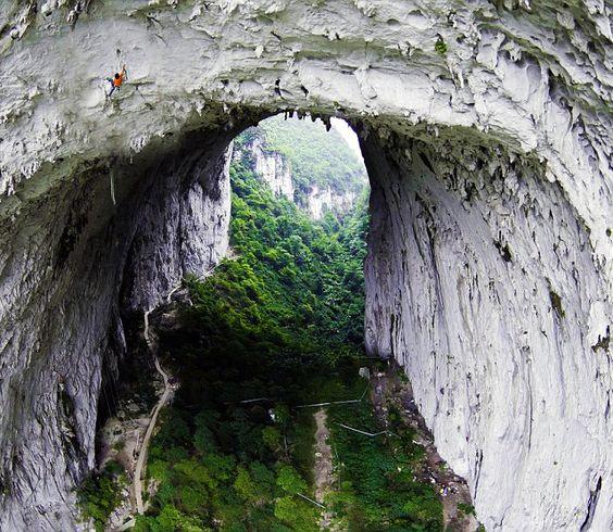 Great Arch, Getu Valley. China.