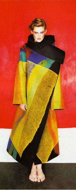 stella tennant in issey miyake photographed by michael thompson for vogue paris