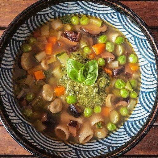 Sopa De Verduras De Primavera Con Pesto Link En La Bio Kykeonblog Kykeon Sopa Receta Platodeldia Pesto Soup Food Foodb Food Beef Black Eyed Peas