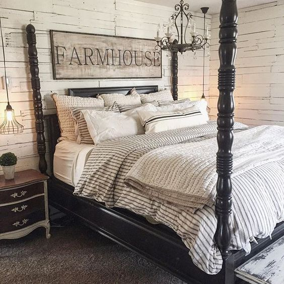Hooray for Sunday's and sleeping in. #masterbedroom #rustic #farmhouse #therustybee#sleepinginsaturday