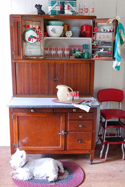 Sweet Hoosier Cabinet kitchy-kitchens