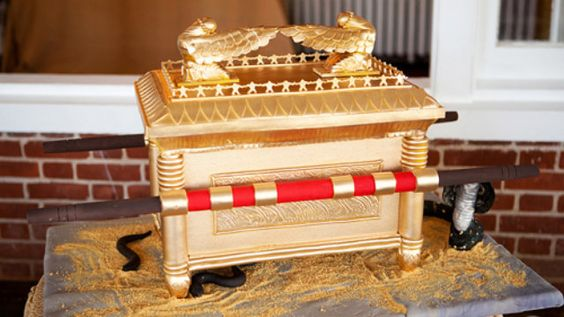 The Ark of the Covenant Cake is Face-Meltingly Awesome (via Gizmodo)