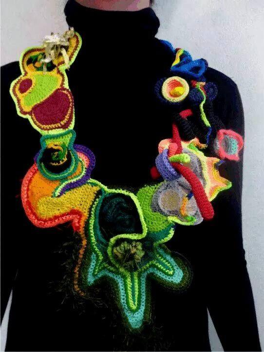 Ansiosa Hormona (Jessica Morillo), textile from Argentina: