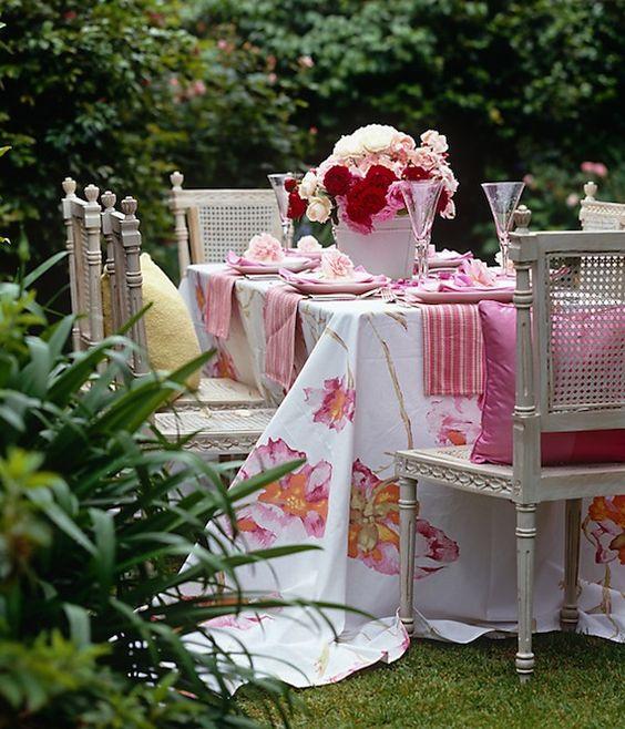 Envie d 39 une garden party l 39 anglaise des idees deco jeux et buffe - Idee pour un bapteme ...
