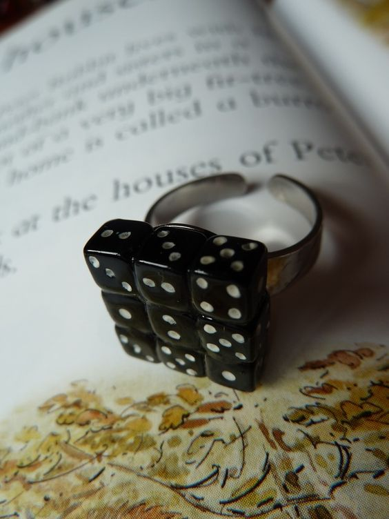 Dice cluster ring £5.00