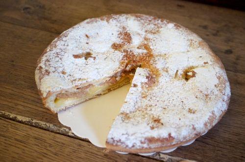 la tarte aux macarons un dessert cinacien sp 233 cialit 233 de ciney par excellence la tarte aux
