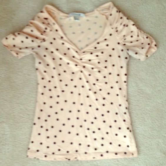 Polka dot top Cute polka dot top; perfect for date night; no flaws Forever 21 Tops