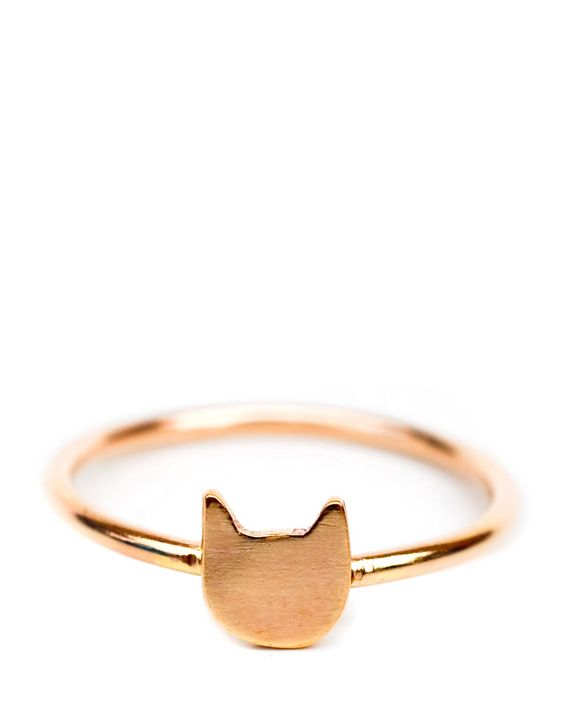 This ring may not give you cat-like super powers, but you'll feel fierce.:
