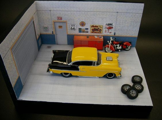 Car Garage Diorama. Click on link for free templates and tutorial. http://www.carrera4fun.de/4_gebaeude/diorama2.htm