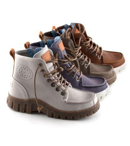 Het schoenenmerk MAG; wie van jullie herkent dit schoenenmerk nog?! De MAG schoen was dé trend in de jaren 90 en heel Nederland heeft dan ook op deze eigenzinnige schoenen gelopen. Vooral de 'Megamok' stond symbool voor groot succes.  Uit een recent onderzoek is gebleken dat 48% van de Nederlandse vrouwen tussen de 20 en 50 jaar bekend is met het schoenenmerk MAG. De belangrijkste associaties daarbij zijn: Actief, eigenzinnig, goede kwaliteit en lekker lopen.