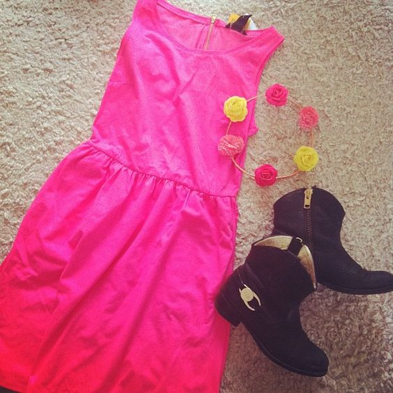 #ootd #whatimwearing #today #fashion #pink #neon #flowers @ted_baker