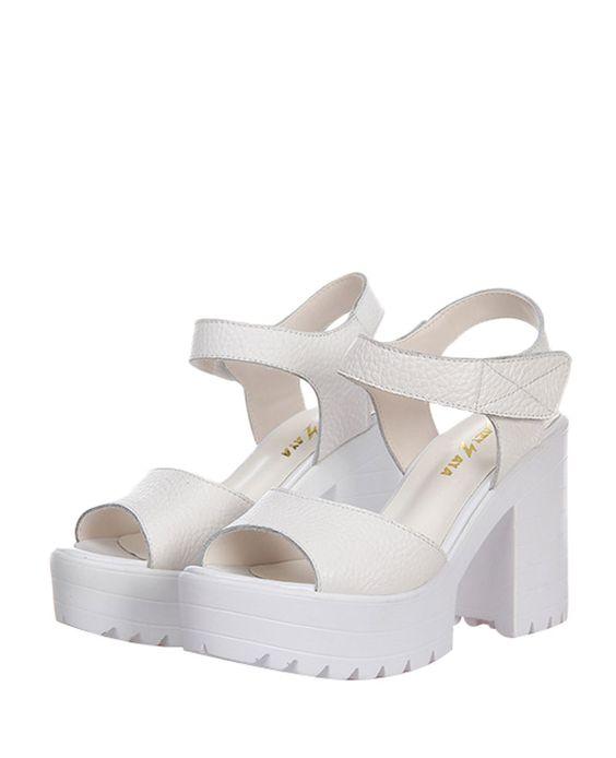 Solid-tone Platform Block-heel Sandals | BlackFive http://www