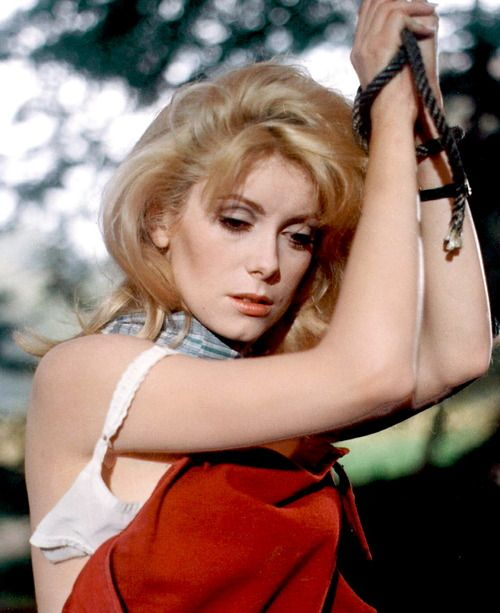 Catherine Deneuve in Belle du jour (1967)