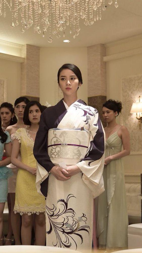 「黒革の手帖」で着物を着た武井咲