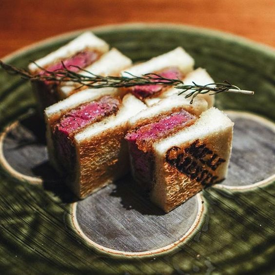 The day-trip to Osaka ended with dinner at this high-end wine bar. Their signature wagyu hire katsu sando is a must-order, meat is tender and moist, with sauce made with onion and fruits. I'm not a wine expert but their wines are really great, had a few glasses of red during the dinner. #cbyyyosaka #cbyyyjapan