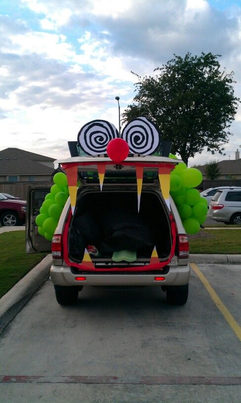 Crazy Clown Fun House Trunk Or Treat Trunk Or Treat Halloween Car Decorations Truck Or Treat