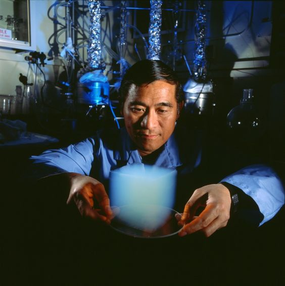 Aerogel Cube & JPL Scientist Peter Tsou by NASA/JPL via wikipedia: Nicknamed 'solid smoke', aerogel is a synthetic porous material derived from a gel, in which the liquid component of the gel has been replaced with a gas, resulting in a very low density solid with thermal conductivity. It feels like styrofoam! #Aerogel #NASA_JPL #wikipedia