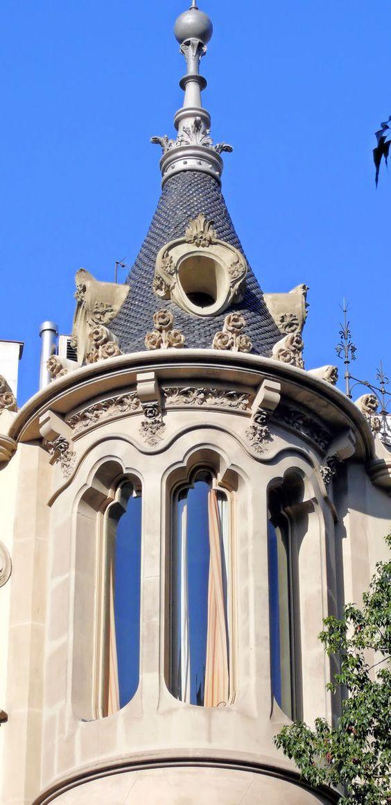 Casa Pérez Samanillo. Architect: Joan Josep Hervàs i Arzimendi. Barcelona - Diagonal (por Arnim Schulz em Flickr)