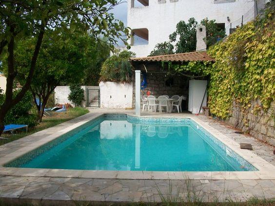 Entrée ville, Maison  sur 3 niveaux - 3 appts (107m2, 99m2, 110m2) +terrasses. Piscine, pool housse + studio ind, garage,Terrain clos, arboré, COS 0.3, accès plage à 200 m,  5 min aéroport, 10 min centre ville. #maisonCorse #maisonAjaccio www.partenaire-europeen.fr/Annonces-Immobilieres/France/Corse/Corse/Vente-Maison-Villa-F10-AJACCIO-T609802