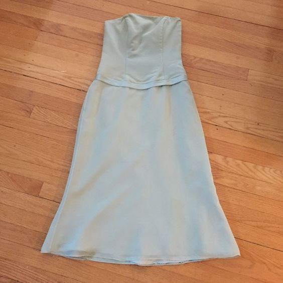 Beautiful teal strapless bridesmaid dress Like new!  Only worn once!!  Tea length dress.  Fits size 4/6 Raylia Designs Dresses Strapless