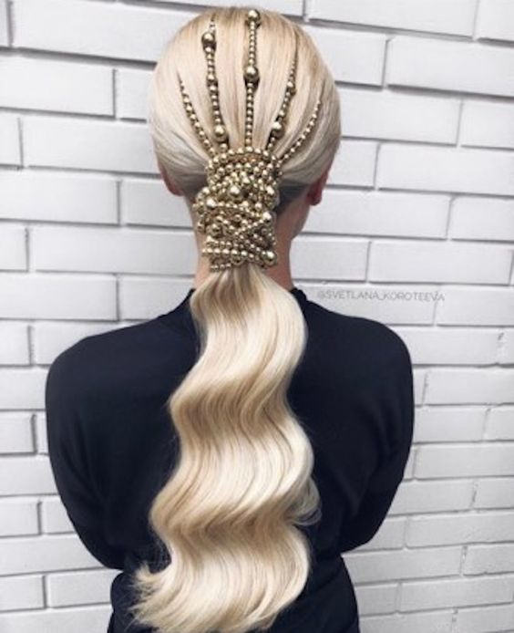 The Perfect Hairstyle for You Based on Your Zodiac Sign