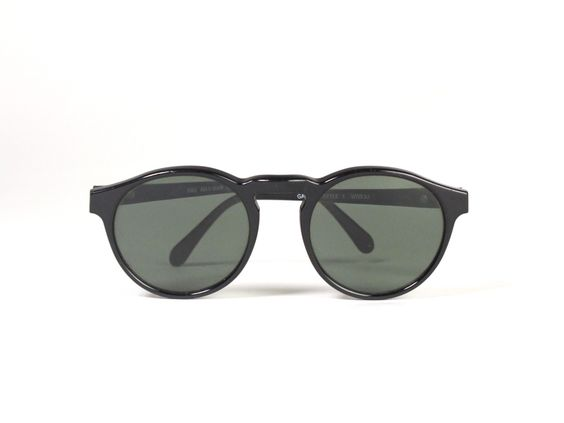 Refinery29 Shops: Industry Vintage Ray Ban Classic Circular Sunglasses - Industry Vintage - Boutiques