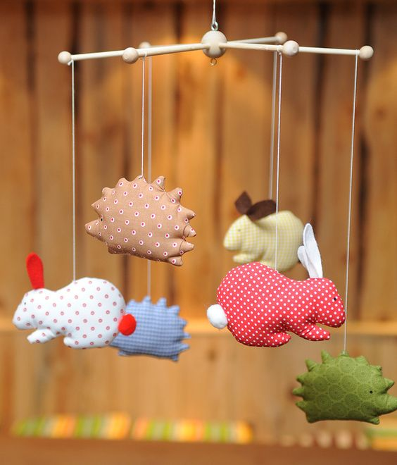 Mobile mit Hase und Igel / mobile with rabbit and hedgehog by Lilli & Max via DaWanda.com