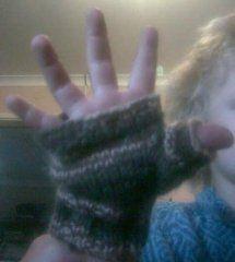 Small Fry Fingerless Gloves Pattern