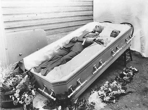 This is Thomas Jefferson Souder and his wife, Mary. They were married for almost 60 years, died within three days of each other, and were buried together in a double casket. Hurst, 1921: