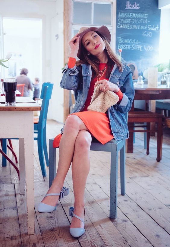 Retro look with red dress, oversized denim jacket, blue pumps with bow details and camel hat http://www.thefashionrose.com/2016/03/red-dress-with-oversized-denim-jacket.html