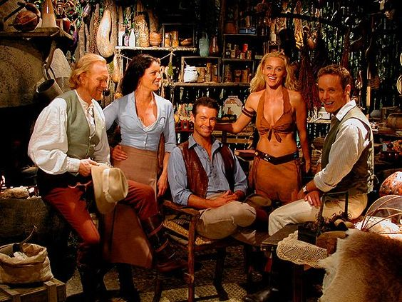 "Rachel Blakely, Peter McCauley, Jennifer O'Dell, David Orth and William Snow in The Lost World (""O Mundo Perdido"", 1999)"