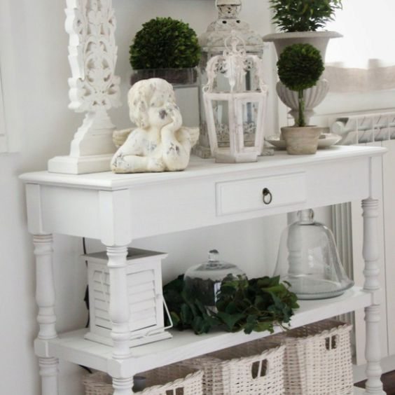 I love all the stuff on display. You would think it would look cluttered.  From Houzz