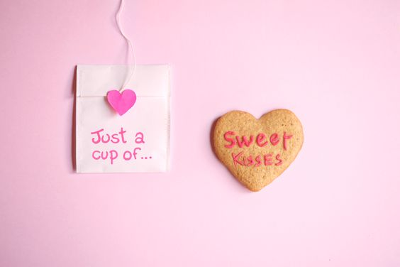 Valentines cookies tea time ideas: diy crafts, hearts and love, sweet kisses. www.leafnlife.com