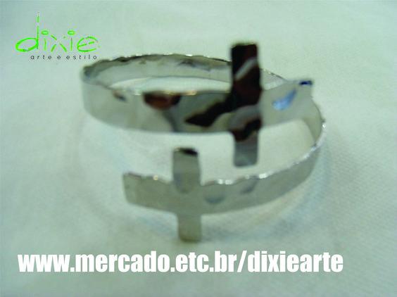 Bracelete Crucifixo Prateado  www.mercado.etc.br/dixiearte